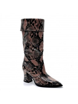 Python style leather boot with cuff. Leather lining. Rubber sole. 7,5 cm heel.