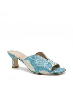 Light blue python style leather mule. Leather lining, leather sole. 5,5 cm heel.
