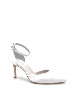 100% white silk D'Orsay with an ankle strap. Leather lining. Leather sole. 7,5 c