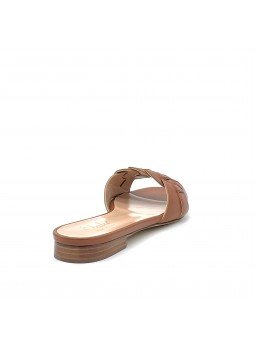 Brown leather mule with intertwined band. Leather lining, leather sole. 1 cm hee