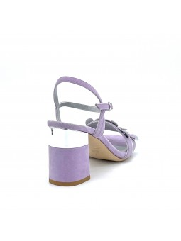 Light purple suede sandal with an interweaving of light purple and silver leafle