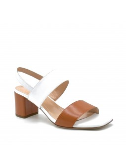White and brown leather sandal. Leather lining, leather sole. 5,5 cm heel.