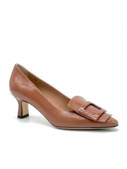"""Caramel colour patent with creased effect pump with """"buckle"""" accessory. Leat"""