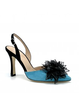 Slingback in camoscio colore turchese e nero con accessorio  flower  nero. 