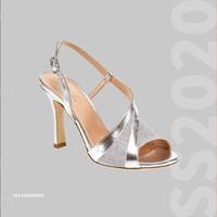 Un mondo di colori è già online. Dai il via al tuo #shopping!👡🛒🛍 Ti aspettiamo online. 👉Link in bio! ••• #elata1923 #elatashoes #sscollection2020 #newcollection #ss20 #springsummer20 #shoes #madeinitaly #newcollection2020 #styleoftheday #elegance #style #fashion #handcrafted #stile #woman #womanpower #madeinpuglia #fashionista #fashionblogger #fashionable #shoesofinstagram #fashionstyle