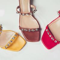 Gemma color zafferano, nocciola o lampone: Quale ti regali?   Collezione primavera/estate   #elata #shoes #gemma #yellow #red #brown #saffron #hanzelnuts #raspberry #spring #summer #collection #jewel #madeinitaly